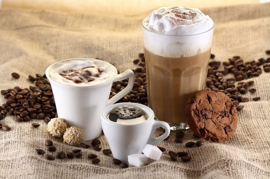 Ausbildung und Homeoffice - Kaffeepause zuhause